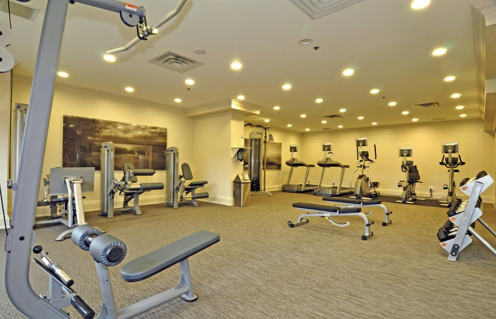 Amenities607-111 Forsythe Street