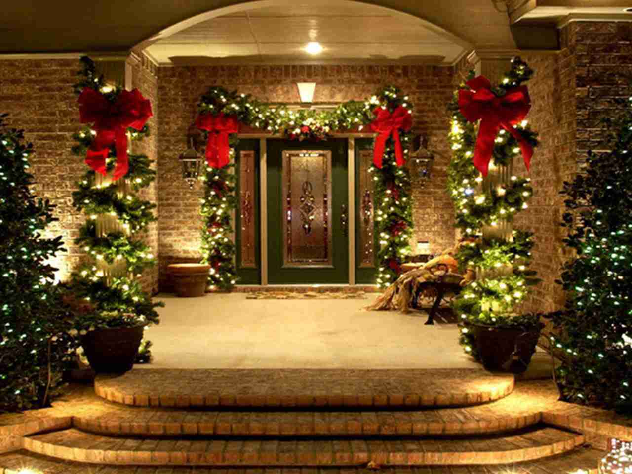 Oakville Real Estate 10 Holiday Decorating Ideas For Your Front Porch At