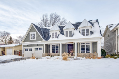 Traditional Cape Cod Family Home in South Bronte